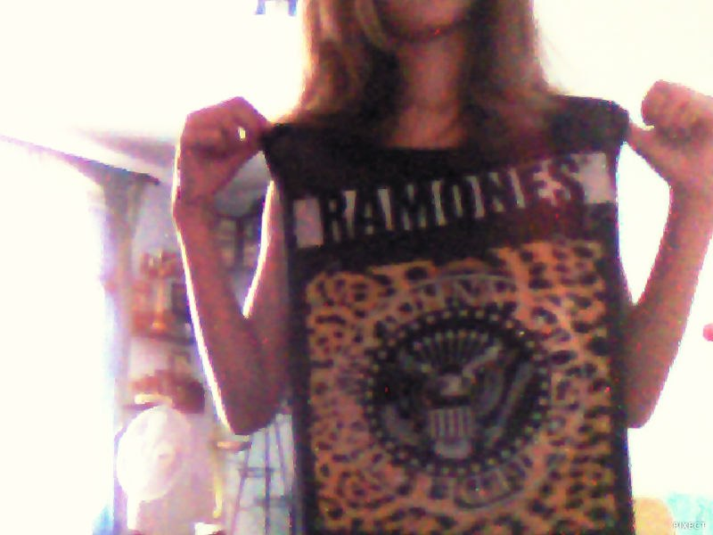 Somebody to love Ramones